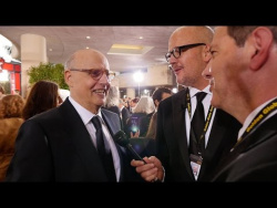 Jeffrey Tambor Wants 'More Light and Love' in American Politics