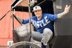 Vanilla Ice appeared in a Florida couple's baby annoucement.