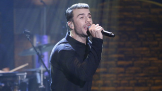 Sam Hunt performs on 'Late Night With Seth Meyers.'
