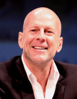 Bruce_Willis_by_Gage_Skidmore