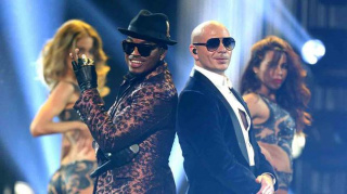 Ne-Yo, left, and Pitbull