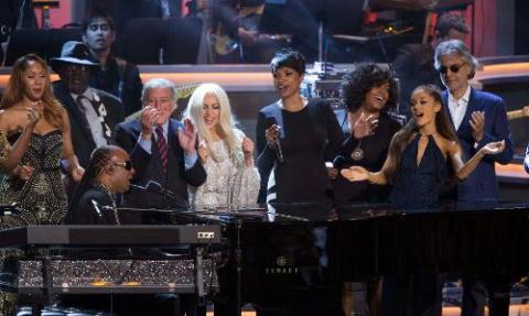 All-Stars Honor Stevie Wonder, Stevie Wonder Upstages All-Stars at Grammy Tribute