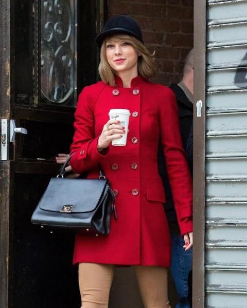 Taylor Swift's Twitter, Instagram Hacked