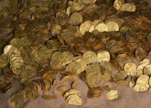 A Fortune in Ancient Gold Coins Found Off Israel