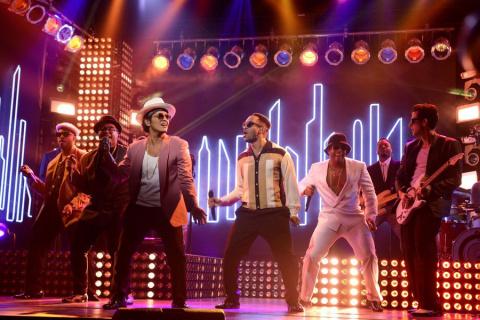 Mark Ronson, Bruno Mars Top Digital Sales Chart