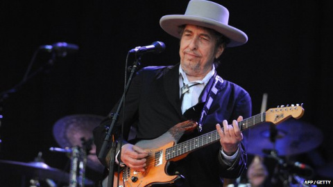 Bob Dylan Will 'Uncover' Frank Sinatra Classics on New Album