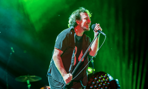 """Pearl Jam debut new song """"Moline"""" and perform No Code in full — watch"""
